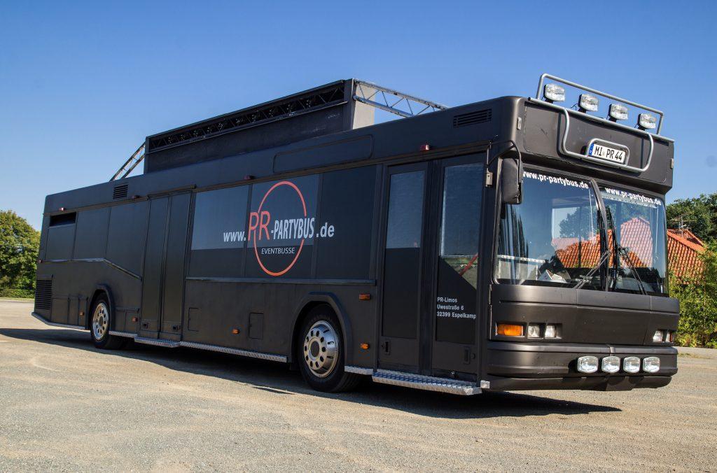 Partybus schwarz für bis zu 37 Personen